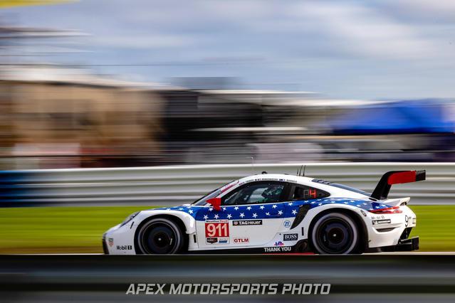 Porsche Motorsport Porsche 911 RSR