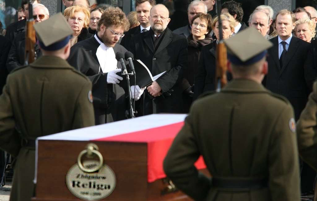 Pogrzeb profesora Zbigniewa Religi, prowadzi mistrz ceremonii Jacek Borowik