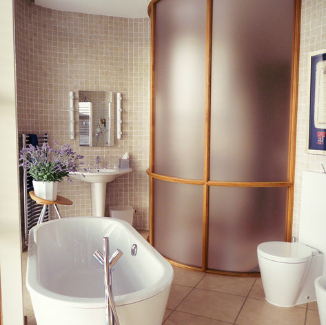 Ensuite Bathroom at day time