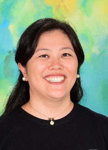 Ms. Claudia - Português