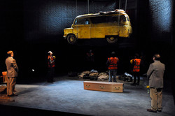 HullTruck-Van.2242