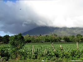 Ometepe_volcán.jpg