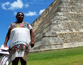 Chichen mujer maya Ranatours