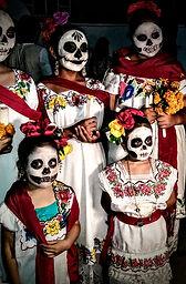 ZÁJEZD MEXIKO DUŠIČKY, DEN MRTVÝCH NA HŘBITOVĚ V POMUCH