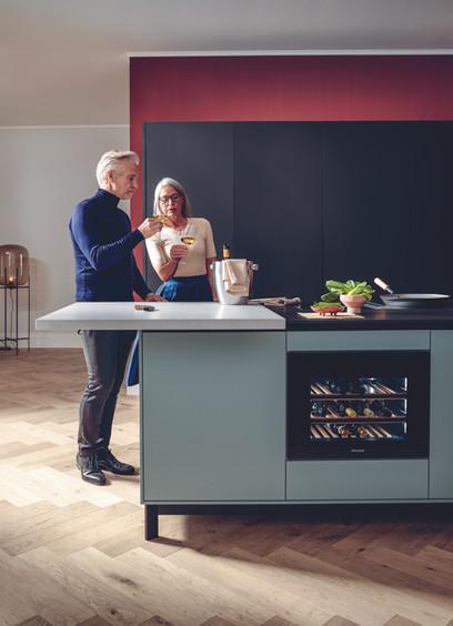 miele-45cm-wine-cooler-teal-kitchen-isla