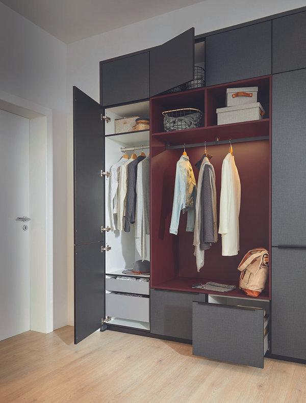 hall-unit-with-clothes-rail.jpg