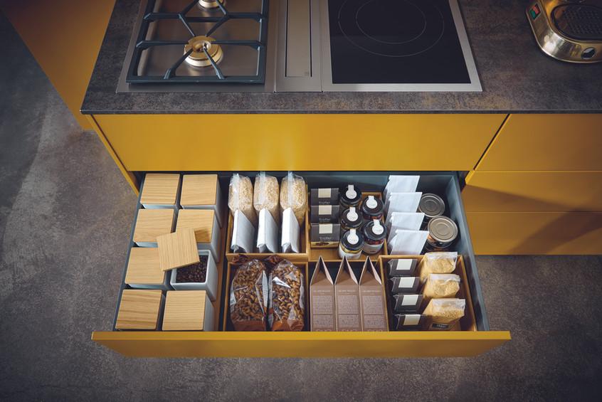 kitchen-storage-goals-high-end-luxury-eu