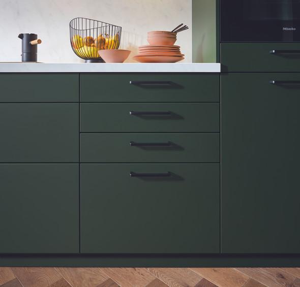 green_kitchen_black_handle.jpg