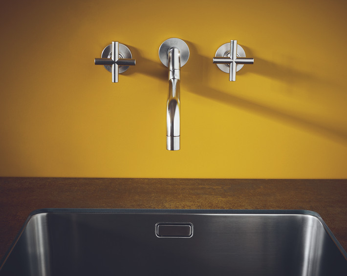 wall-mounted-tap-industrial-style.jpg