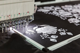 sewing-machine-in-work-textile-fabric-no