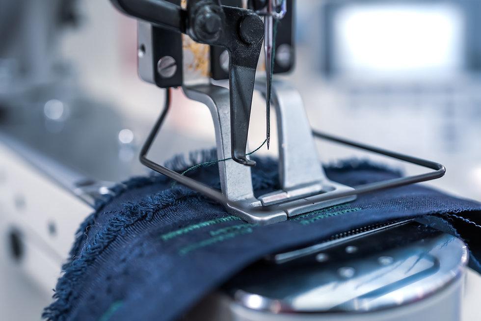 professional-sewing-machine-close-up-mod