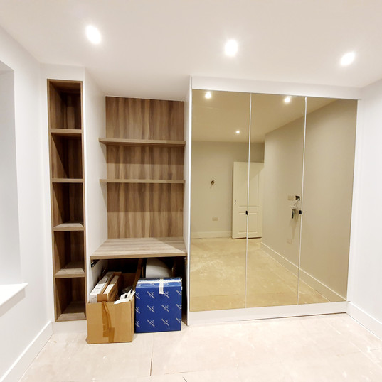 Bespoke wardrobe with dimmed Mirrors 020