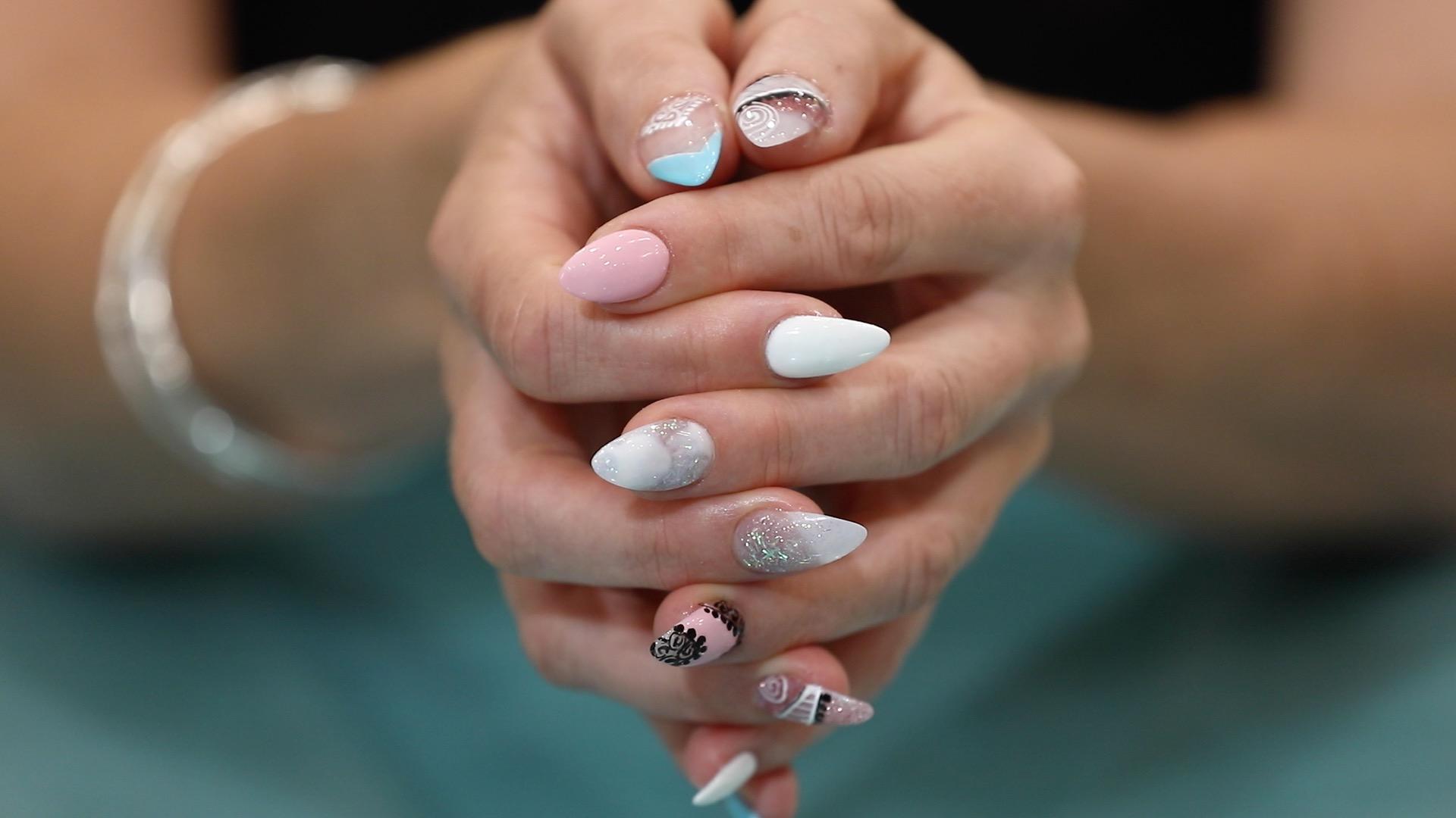 Mojo Nails