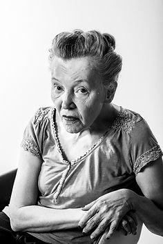 Buch Weil es mich gibt Bernadette Osim © Mavric
