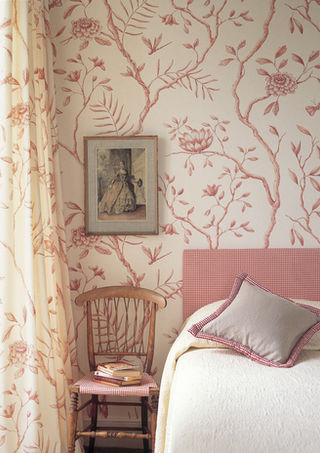 Lewis & Wood    Using the same pattern on  the walls as on the curtain fabric works well in bedrooms