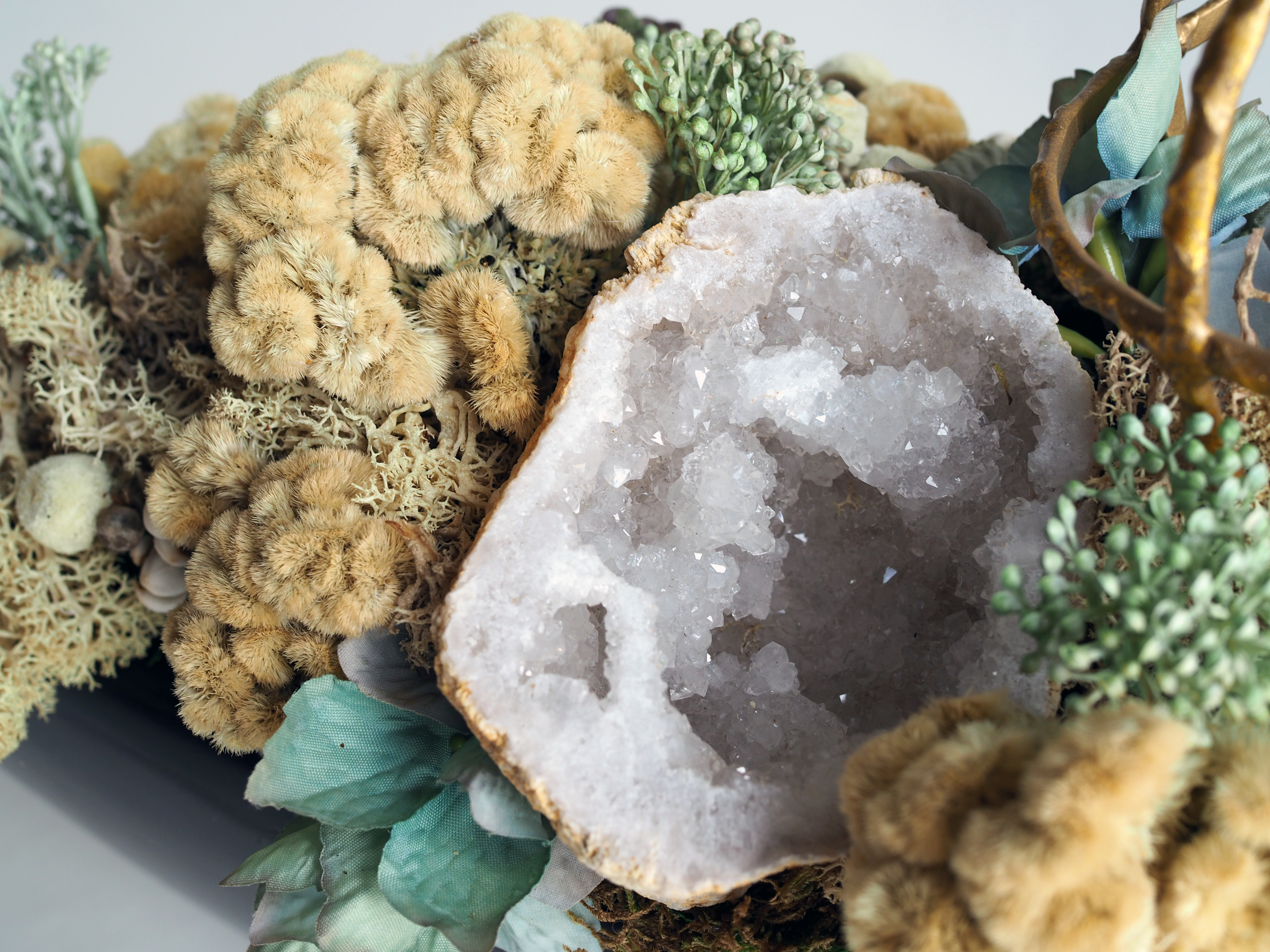 Geodes in a centerpiece Arrangement