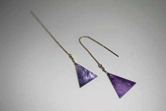 紫さんかくシェルのピアス