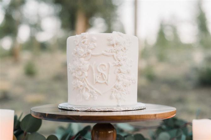 Bas Relief Elopement Cake
