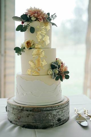Mountain and Gold Wedding Cake