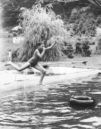 Cave Hill Pool Diver with Tube.jpg