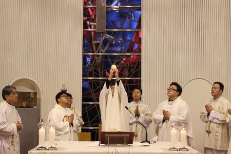 한국외방선교회 새사제 첫미사
