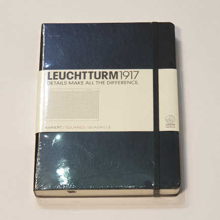 Leuchterm A5 Medium Notebook Hardback Black