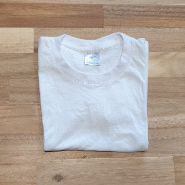 B&C Collection White T-Shirt