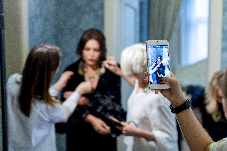 Ирина Дубцова для обложки BONJOUR