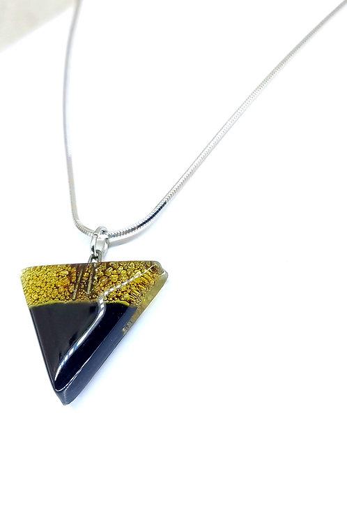 Noche triangle necklace