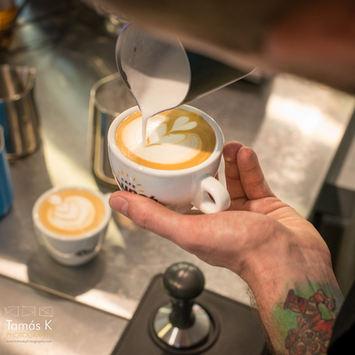 Frissen pörkölt és frissen darált kávékülönlegességek