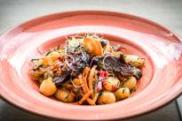 Mézes-chilis gnocchi kacsamell