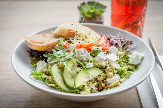 Couscous-Salat mit Feta