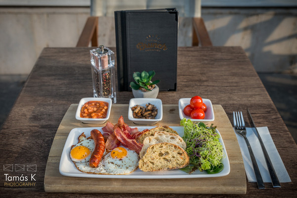 Full English breakfast at Brunch Bistro