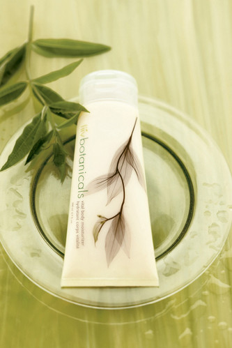 avon-liiv-botanicals-vital-body-moisturi