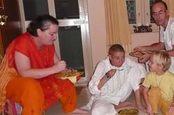 Souper communautaire à Puttapartie en Inde