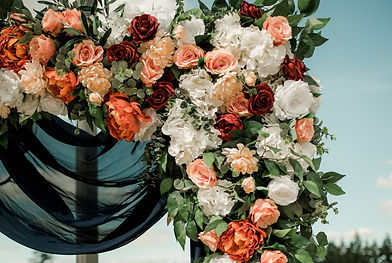 DKP-FlowersWedding-178_edited.jpg