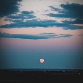 Moon over Weymouth 05.06.2020