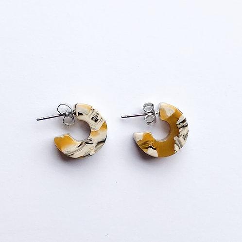 Mali Tortoise Earrings in Daisy
