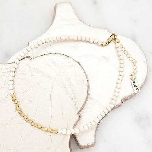 Golden Row Necklace White