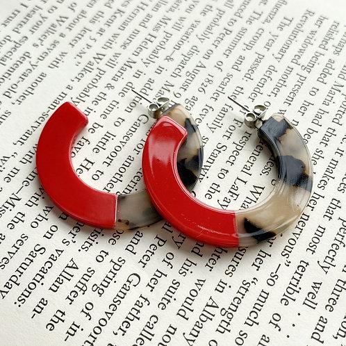 Roza Tortoise Earrings in Red