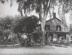 1905 The Moores at a house