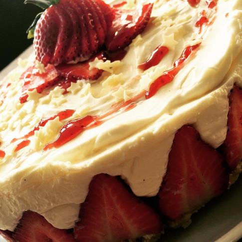 Strawberry & Cream Cheesecake