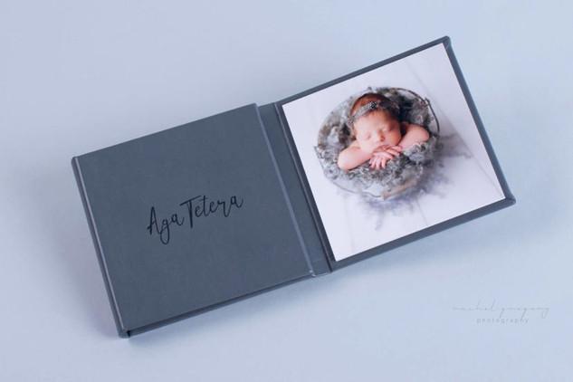 Triplex trifold 3 piece image product gr