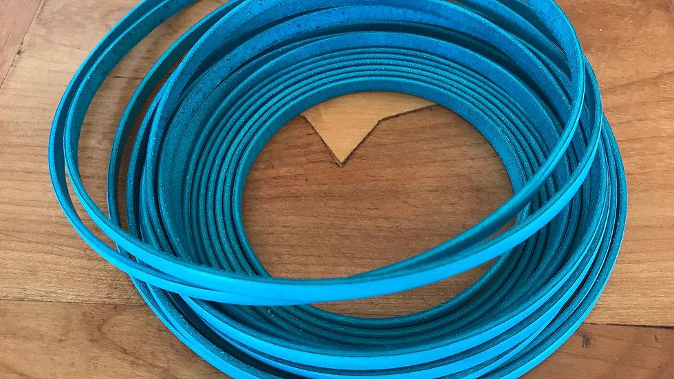 Cuir plat veau 5x2mm Tuquoise x 10 cm