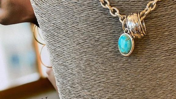 Collier Chaine 42cm cabochon Turquoise Synthétique