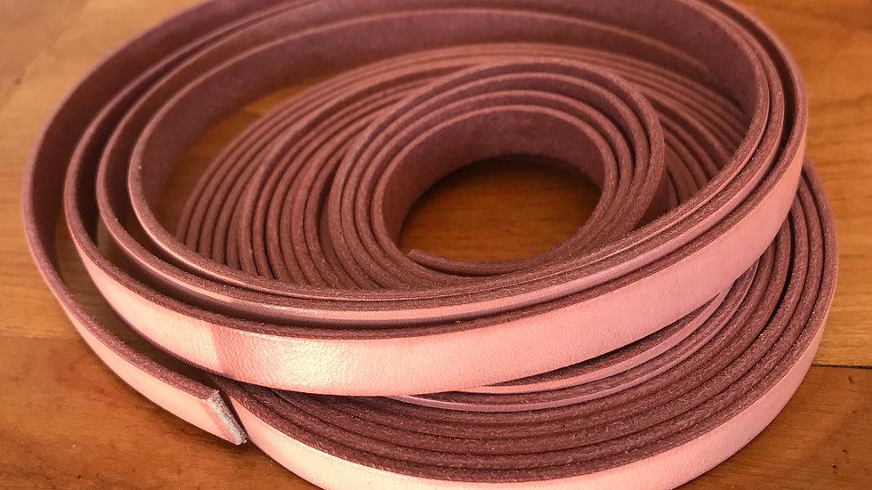 Cuir plat veau 10x2mm Rosé x 10 cm