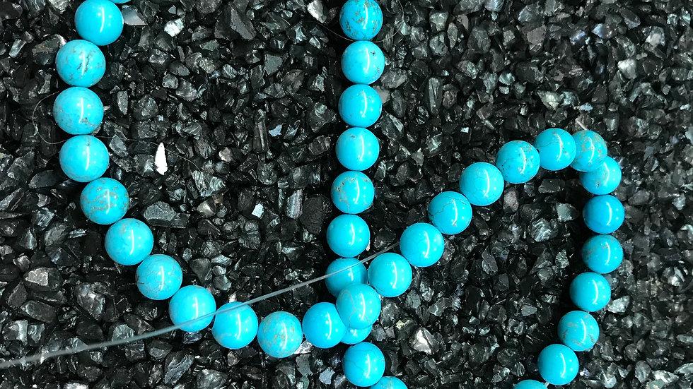 Turquoise Howlite naturelle teintée grade A 8mm sur fil 40cm
