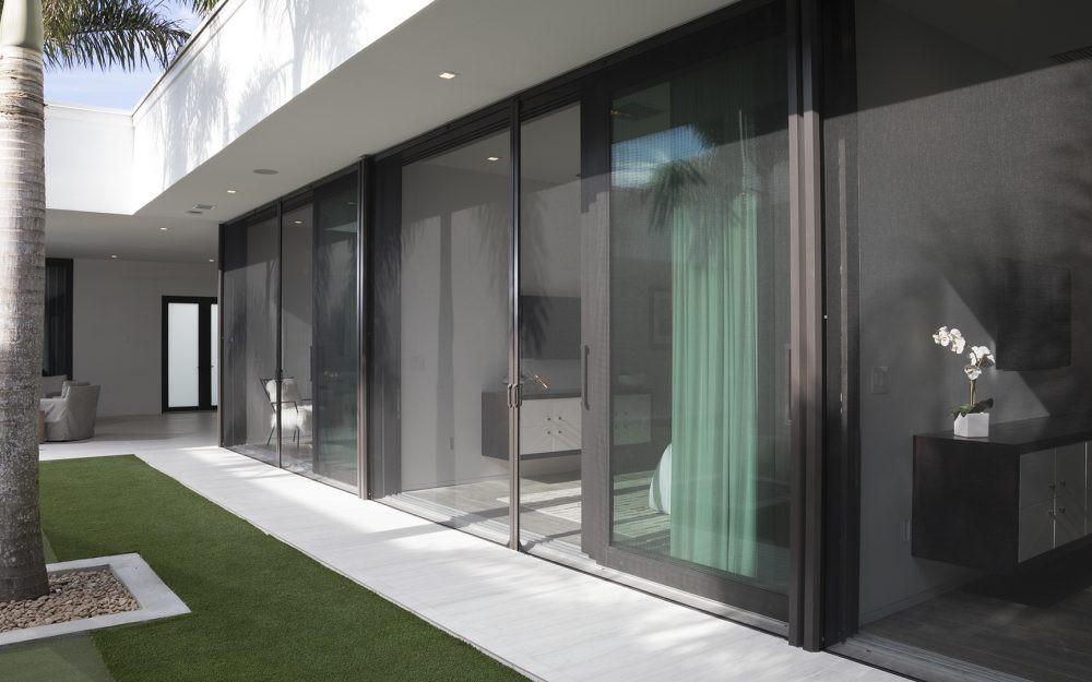 XL-retractable-screen-doors-2.jpg