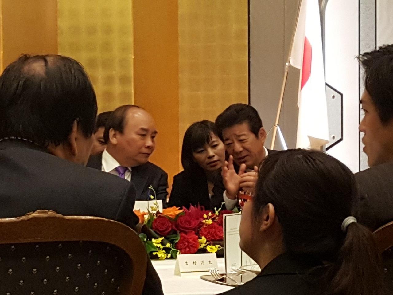 フック首相 通訳