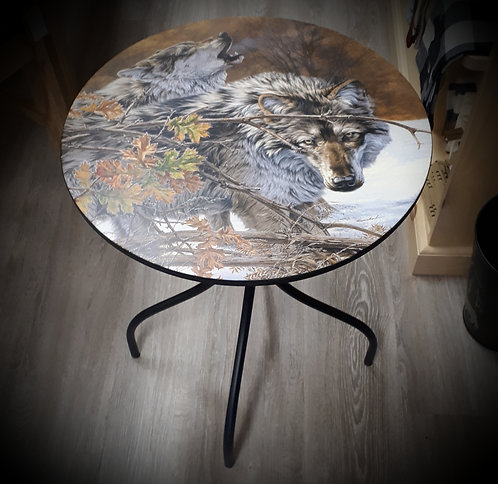 Wolf Body Language Metal Table